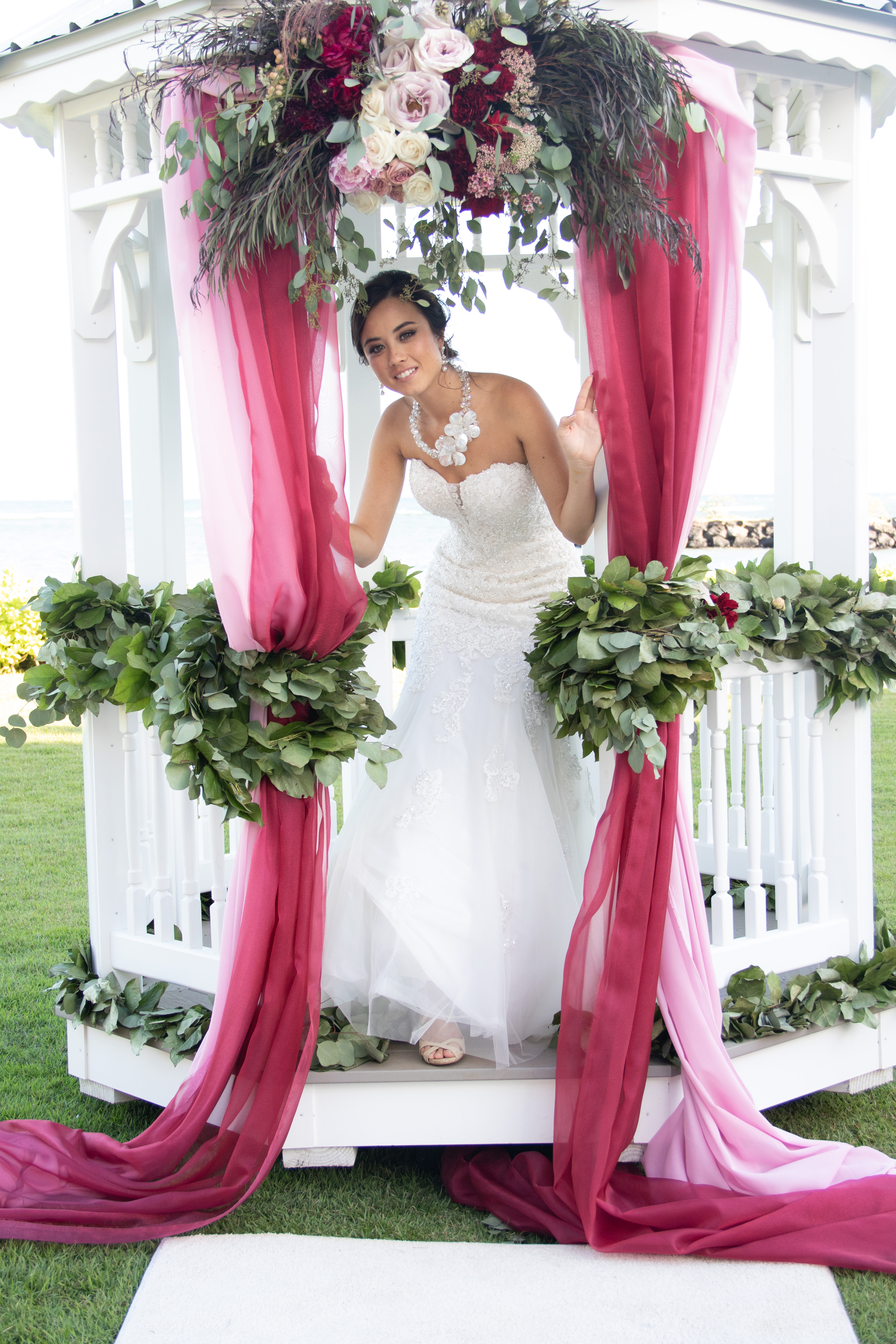 f582d9e601 The Best of Hawaii s World Class Professional Wedding Services ...